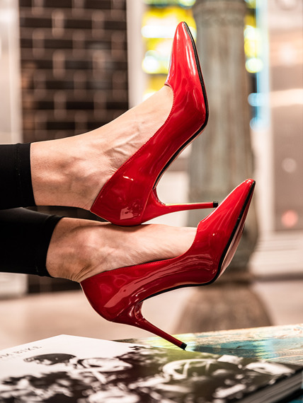 Red patent pointed toe court shoes