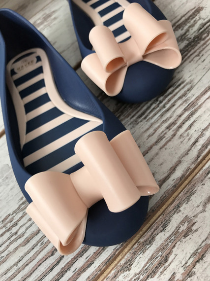 Rubber Shoes Ballet Flats With a Bow Pearl