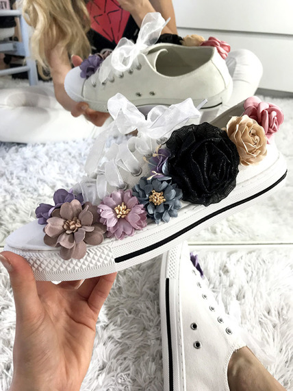 White trainers with flowers Bloom