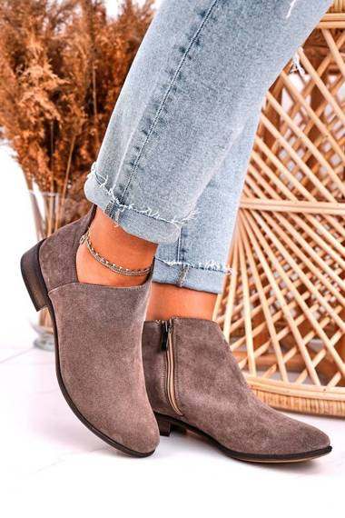 Women's Boots With A Cut Suede Brown Clarence